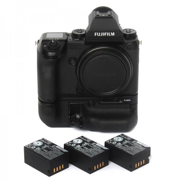 Fujifilm GFX 50S (9235 zdj.) + Grip VG-GFX1 + 3 baterie